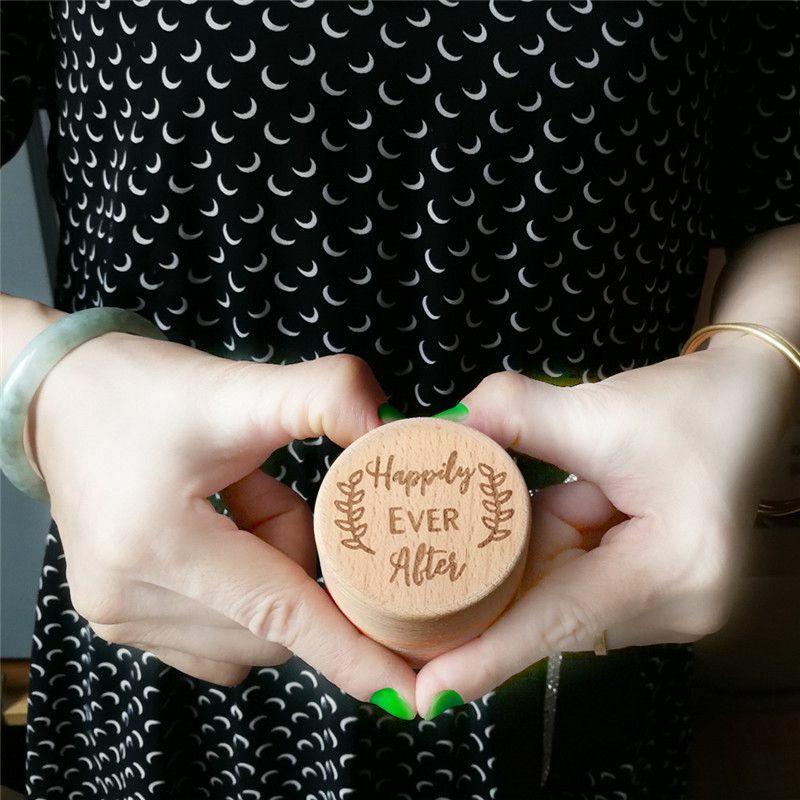 عبوة تعبئة صندوق خاتم خشبي الرجعية نحت خاتم صندوق خشبي خاتم الخطوبة