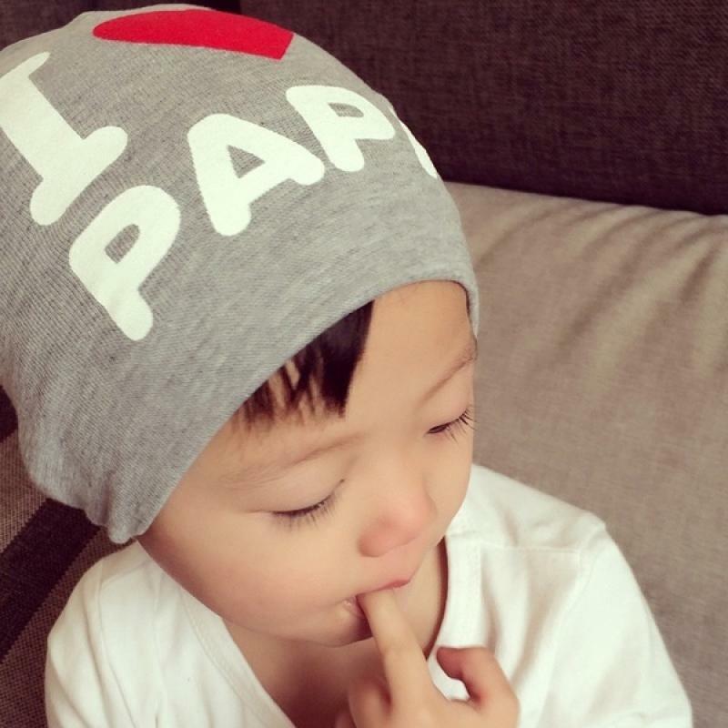 قبعة خريف وشتاء للأطفال ، قبعة مطبوعة عليها رسوم متحركة لطيفة ومرنة ناعمة أنا أحب MAMA PAPA ، غير رسمية للأطفال