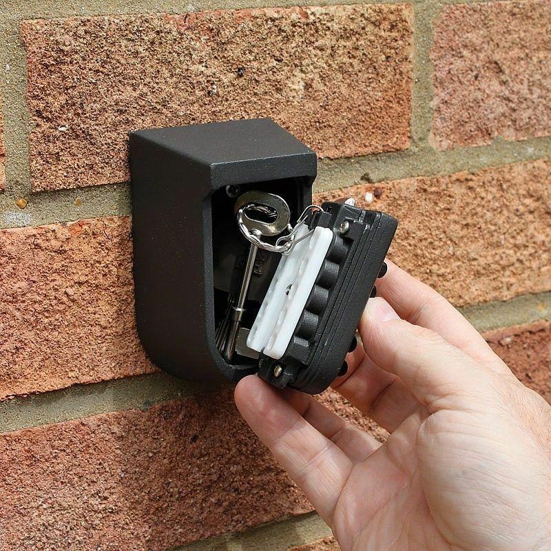 صندوق تخزين مفتاح معدني مضاد للسرقة مثبت على الحائط في الهواء الطلق