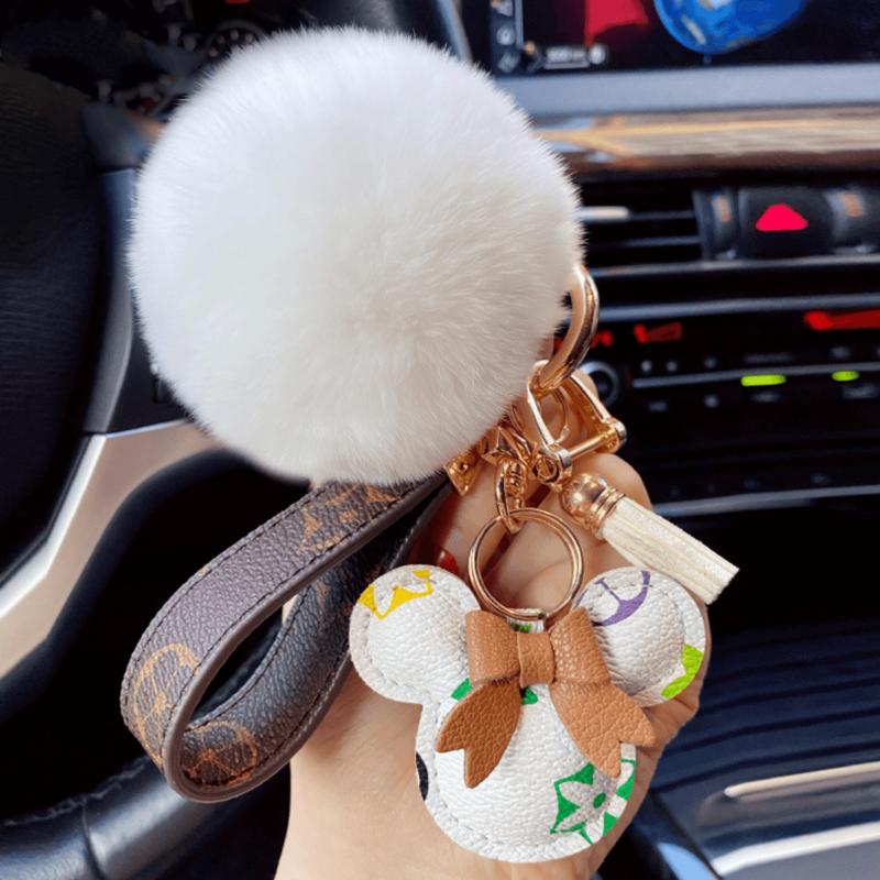الأصلي الكرتون Kawaii المفاتيح حقيبة أنيقة قلادة موضة الأزواج اكسسوارات شخصية سيارة أفخم المفاتيح السنانير keyhonor
