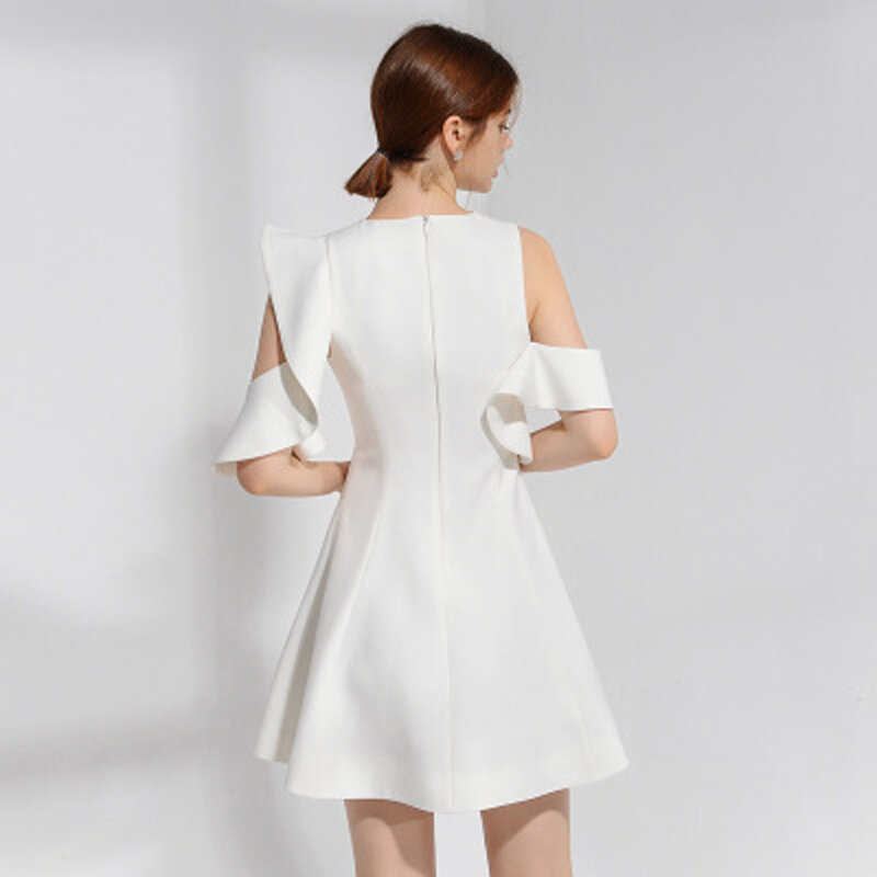 فستان نسائي قصير من القطن الأبيض مع انتفاضات بدون أكمام ، فوق الركبة ، فستان المشاهير ، أكتاف الندى ، 2021