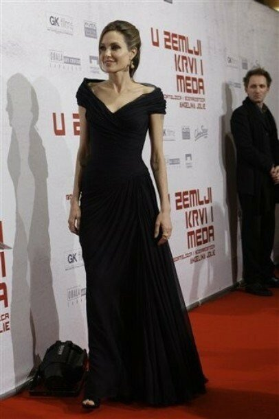 فساتين طويلة مصنوعة حسب الطلب من الشيفون الأسود فساتين المشاهير سجادة حمراء كتف قصيرة الأكمام للحفلات الراقصة المسائية الحقيقية