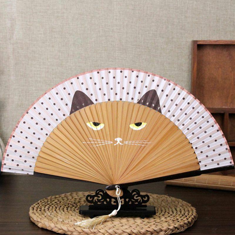 المشجعين الإبداعية يده Vintage مروحة من الحرير الصينية الكرتون القط الطباعة مروحة قابلة للطي ديكور المنزل الخيزران والحرف مروحة