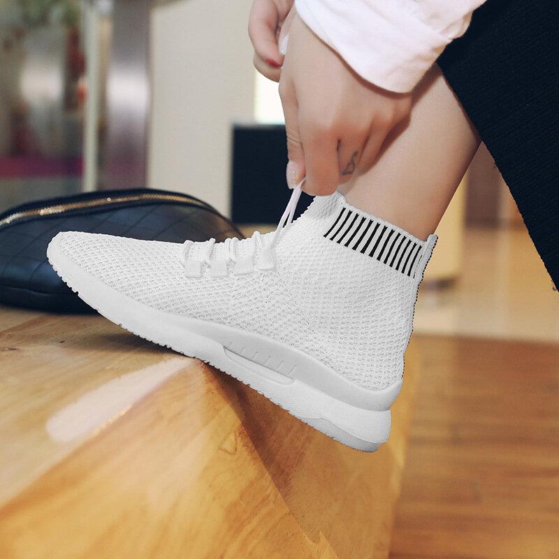 امرأة موضة جورب أحذية رياضية خفيفة الوزن احذية الجري الصيف الإناث شبكة بيضاء أحذية رياضية في الهواء الطلق تنفس تنيس المدربين 2021
