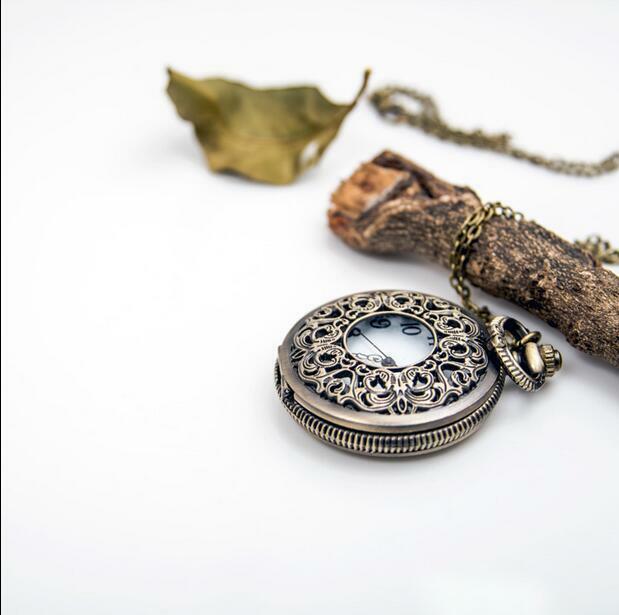 أزياء خمر البرونزية التحف الكوارتز الجوف خارج نحت الزهور امرأة والرجال قلادة جيب الساعات هدية PP889