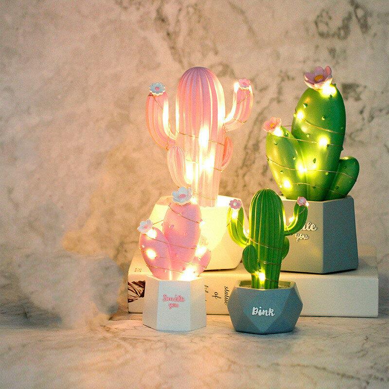 مصباح زخرفي من الراتينج على شكل صبار وإضاءة ليلية صغيرة للمكتب وغرفة النوم