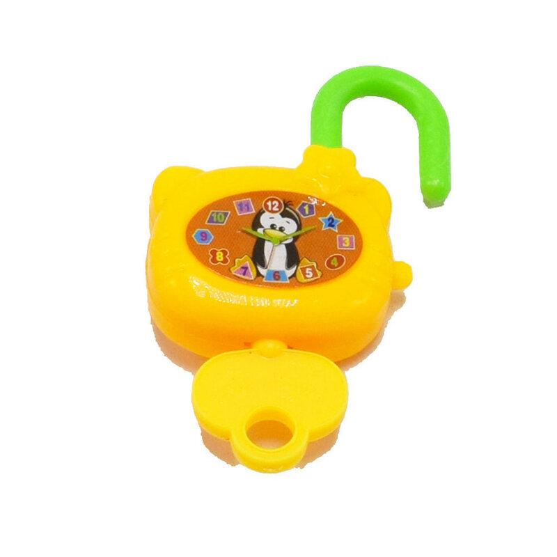 لعبة كرتونية بلاستيكية مع مفاتيح للاطفال ، قفل ، دفتر ، هدية ، لعبة عيد ميلاد ملونة ، 2 قطعة