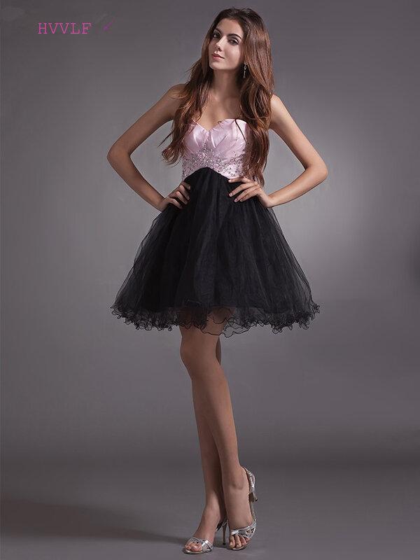 فستان كوكتيل أسود من الأورجانزا ، فستان قصير على شكل قلب مع خرز