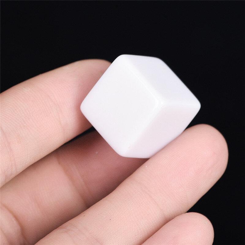 10 قطعة/الوحدة الإبداعية الأبيض 16 مللي متر الألعاب النرد القياسية ستة الوجهين مربع الزاوية يموت لحفلات أعياد الميلاد أخرى لعبة اكسسوارات