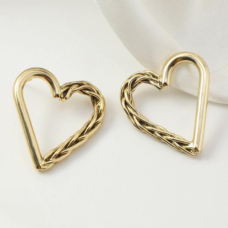 جديد وصول المعادن القلب أقراط المرأة Vintage ماتي غير المتماثلة الحب سبيكة الذهبي الذهب الأبيض أقراط مجوهرات للبنات