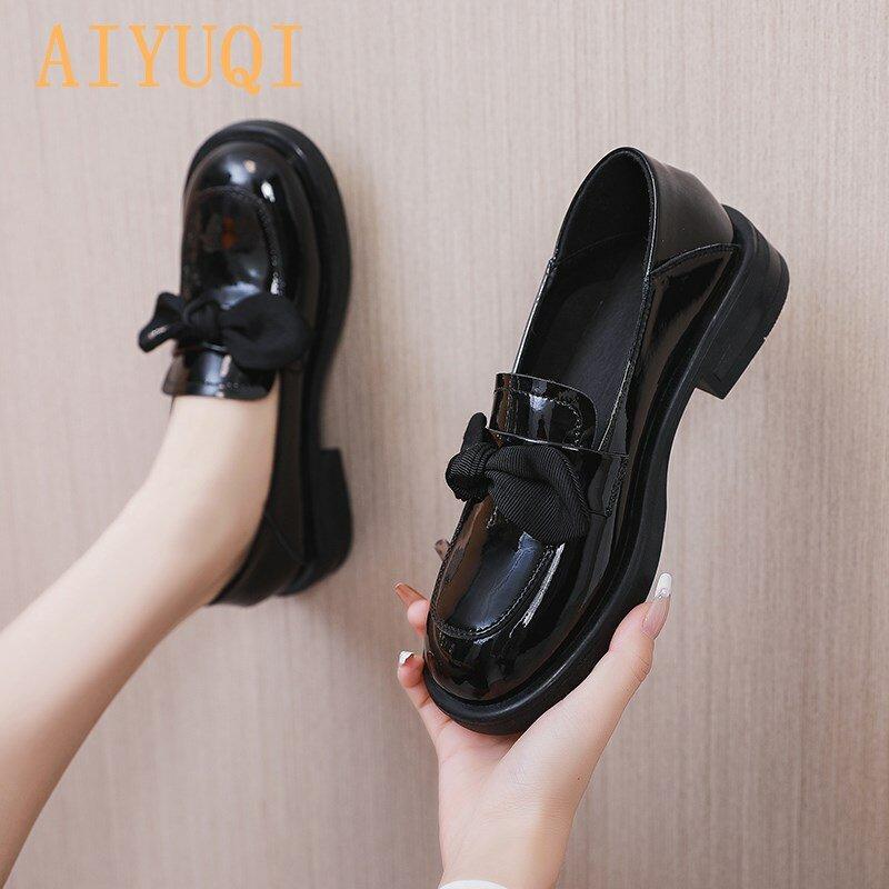 أحذية من الجلد الحقيقي النساء ربيع 2021 موضة جديدة مستديرة رئيس القوس فتاة أحذية كعب سميك النمط البريطاني المتسكعون النساء