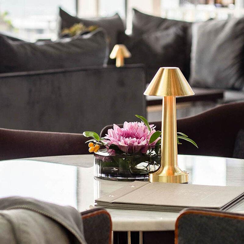 الرجعية طاولة بار مصباح LED سطح المكتب ليلة ضوء قابلة للشحن اللمس الاستشعار اللاسلكية مطعم القهوة غرفة المعيشة إضاءة ديكوريّة جديد