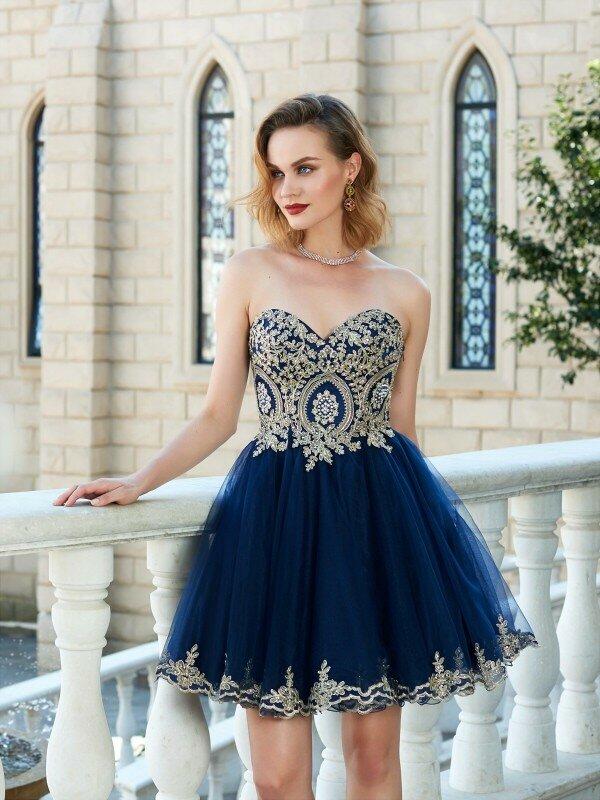 فستان كوكتيل أزرق ، خط a ، قلب ، قصير ، تول ، ظهر عارية ، أنيق