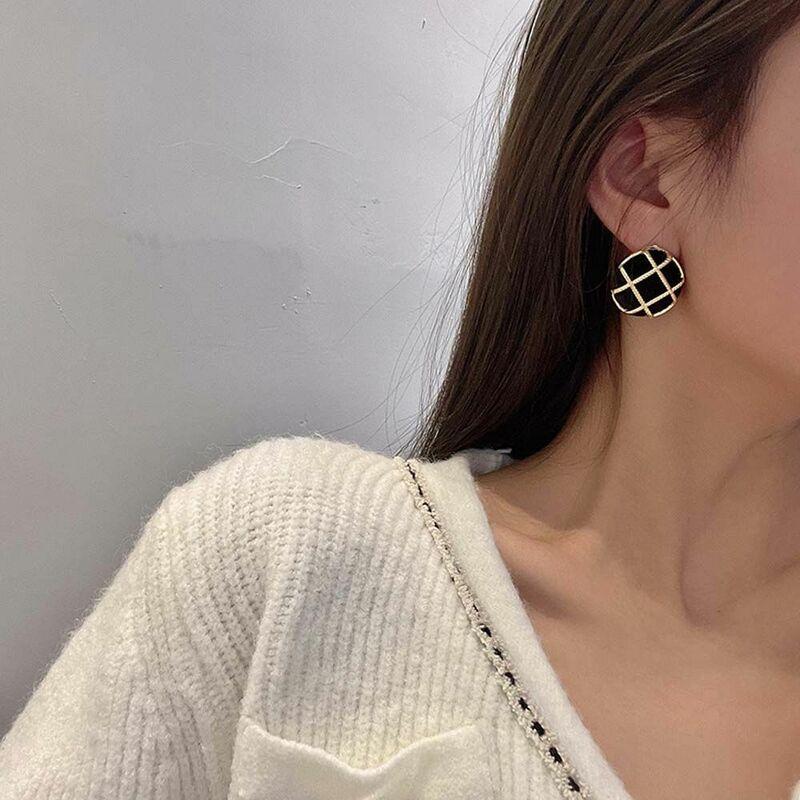 الكورية نمط الرجعية هندسية شعرية مستديرة الأقراط الإناث مزاجه بسيطة شبكة وأقراط شخصية مجوهرات الأزياء